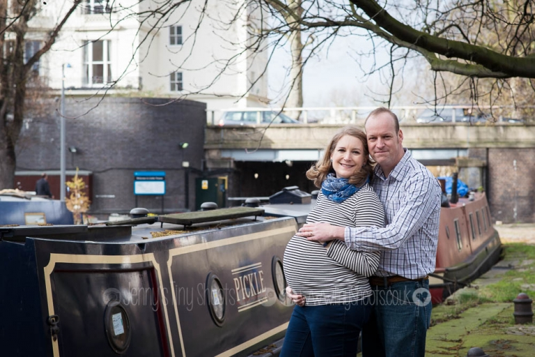 Pregnancy portrait London canal