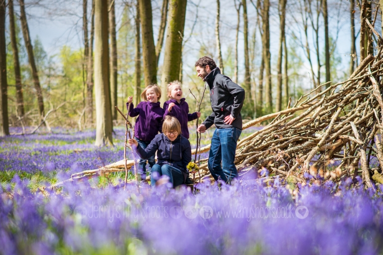 Relaxed family photos in the bluebells